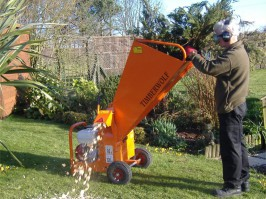 WOOD CHIPPER SHREDDER HIRE